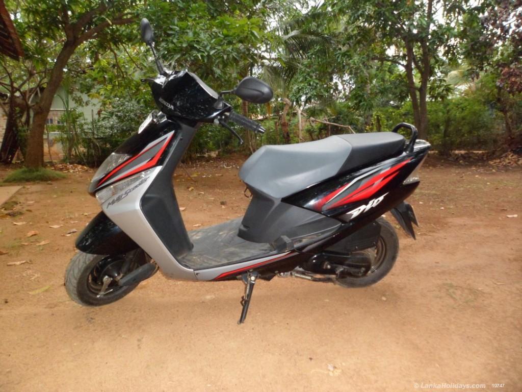 скутер на шри ланке