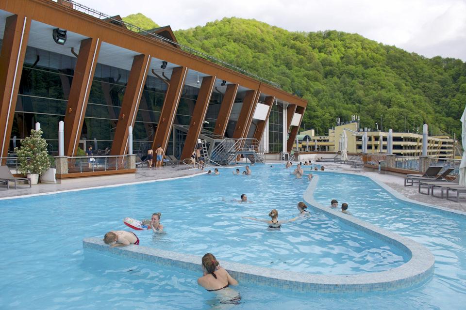 открытый бассейн Сочи