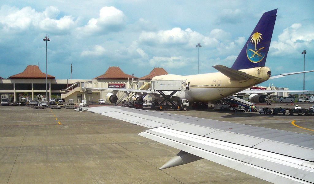 Аэропорт, вид из самолета