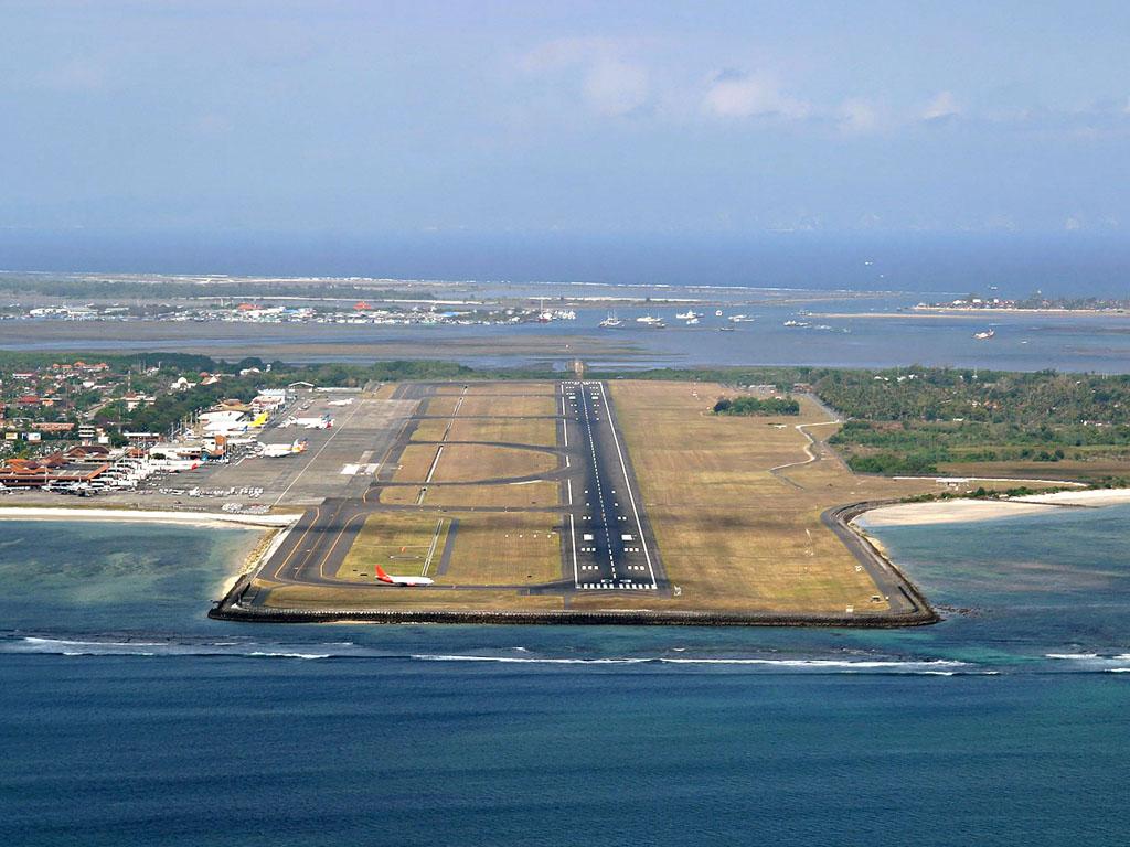 Вид на аэропорт Бали