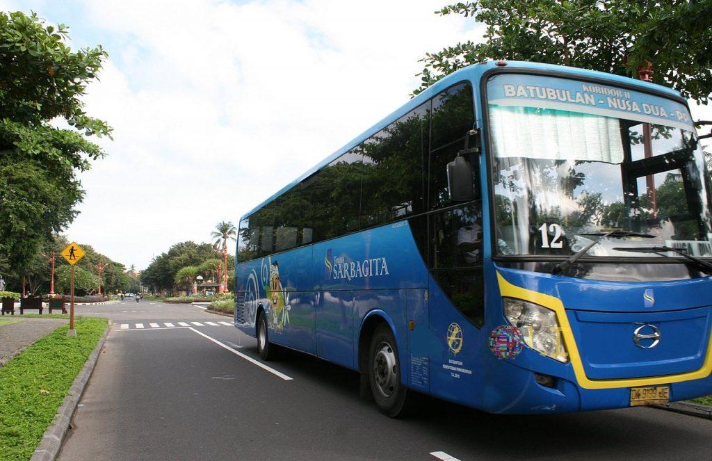 Автобусом по Бали