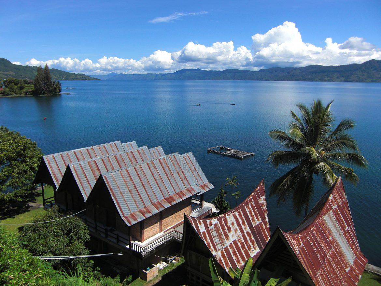Удивительное озеро острова