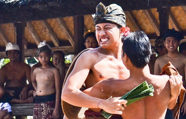 Ритуальные бои в деревне