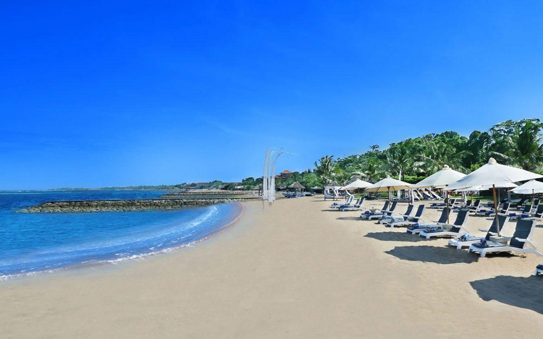 Удивительный пляж Танжунг Беноа