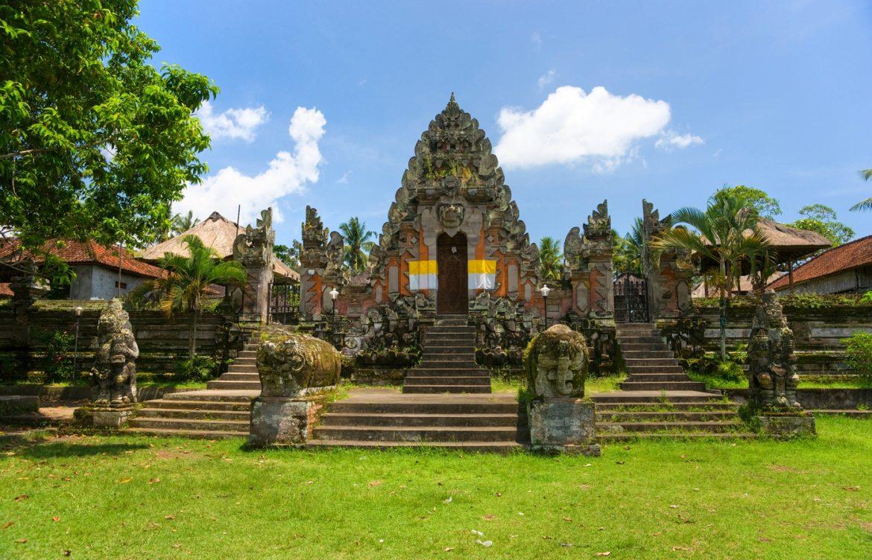 Удивительные храмы острова