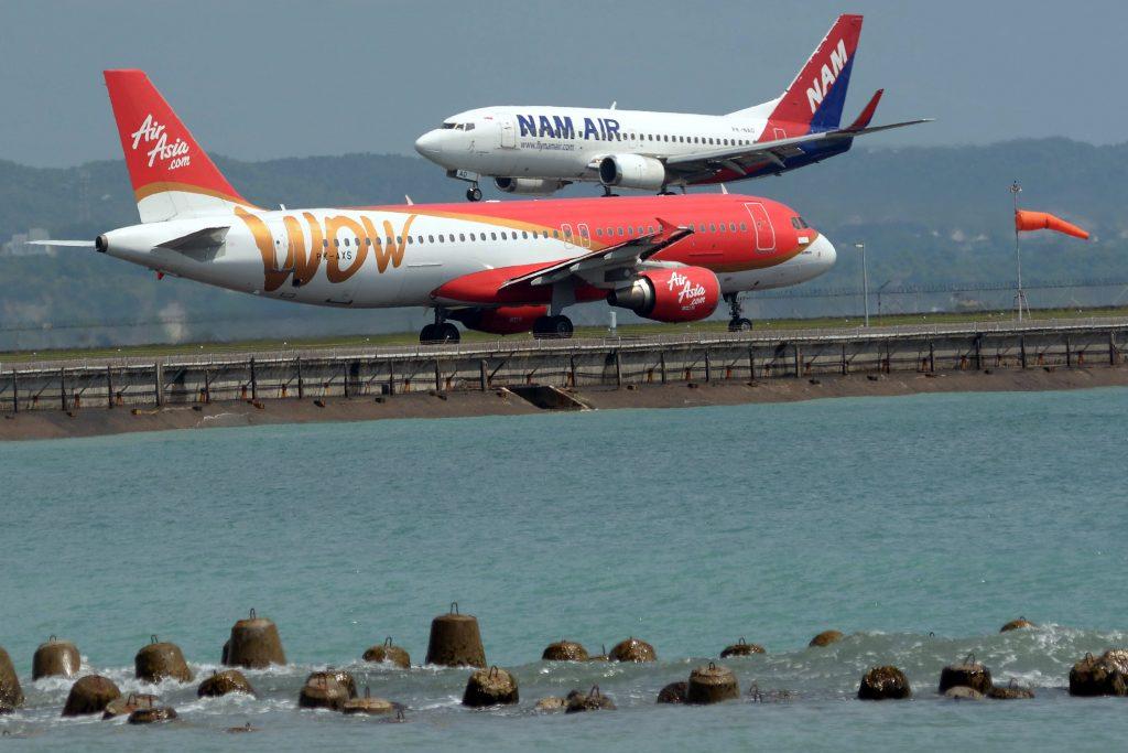 Посадка самолета в Сулавеси
