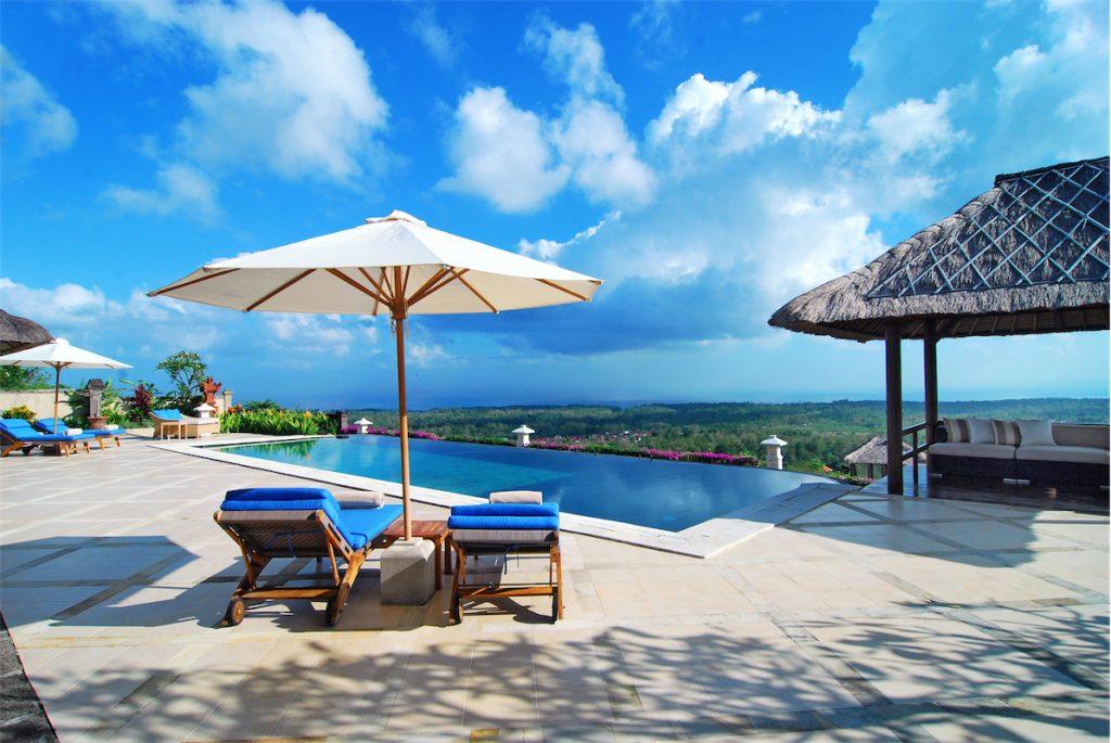 Вид с отеля Puri Pandan