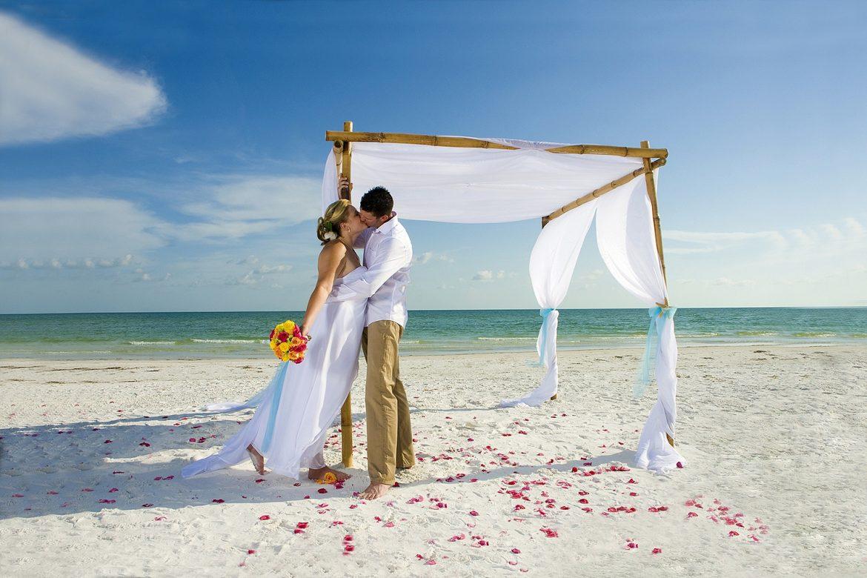 Символическая свадьба на Шри-Ланке