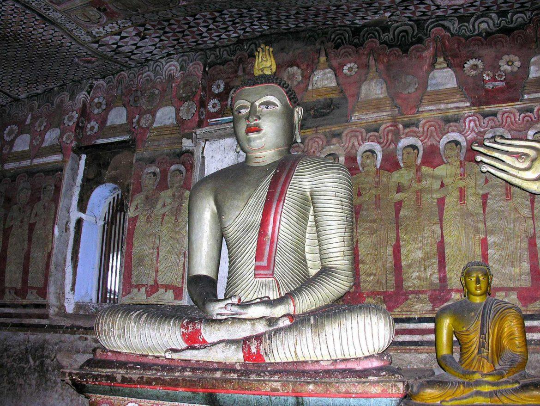 Храм Дамбуллы