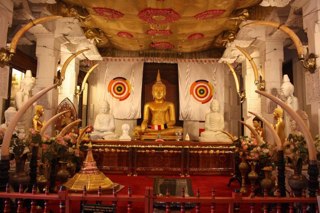 Храм зуба Будда