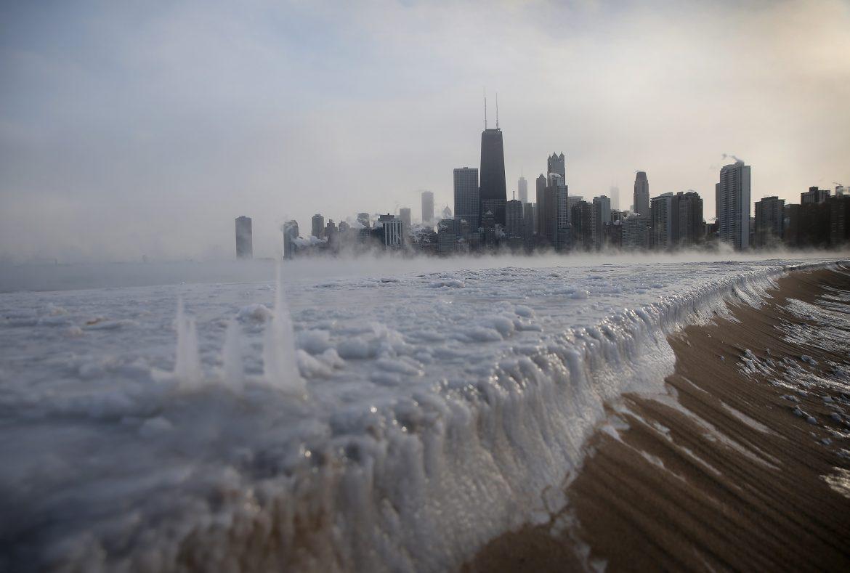 Озеро Мичиган зимой