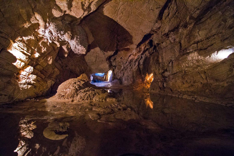 Через океан в пещеры